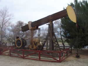 Konrad Summers/Kern West Oil Museum via Wikimedia Commons