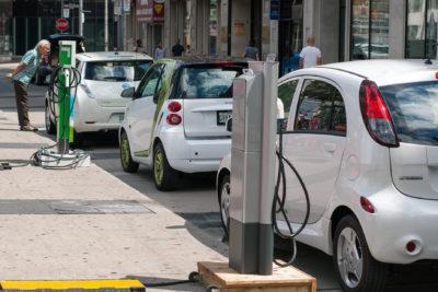 https://en.wikipedia.org/wiki/Plug-in_electric_vehicle