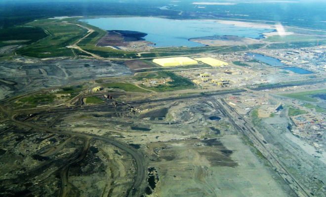 https://en.wikipedia.org/wiki/Athabasca_oil_sands