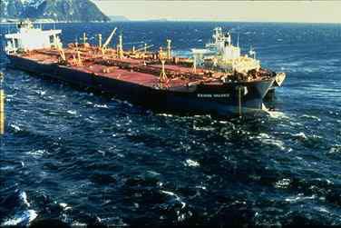 https://en.wikipedia.org/wiki/Exxon_Valdez_oil_spill