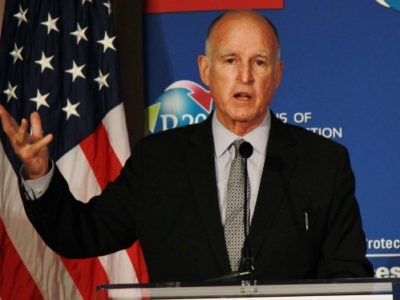 https://commons.wikimedia.org/wiki/File:Governor_Jerry_Brown_2014.jpg