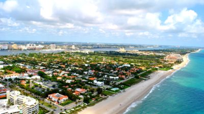 https://commons.wikimedia.org/wiki/File:PALM_BEACH_FLORIDA_AERIAL_2011.jpg
