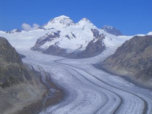 https://commons.wikimedia.org/wiki/File:Aletsch_Glacier.jpg