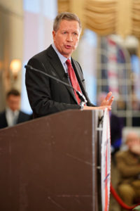 https://commons.wikimedia.org/wiki/File:Governor_of_Ohio_John_Kasich_at_FITN_in_Nashua,_NH_by_Michael_Vadon_04.jpg