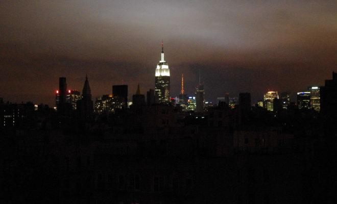 https://commons.wikimedia.org/wiki/File:Hurricane_Sandy_New_York_Blackout_2012.JPG