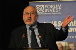 https://en.wikipedia.org/wiki/File:Joseph_Stiglitz_Nobel_Prize_Laureate_at_Forum_Invest_FINANCE_2009.JPG