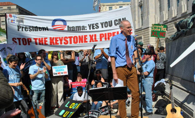 https://commons.wikimedia.org/wiki/File:Bill_McKibben_at_Stop_the_Keystone_XL_pipeline_rally.jpg