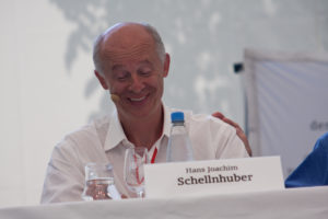 https://commons.wikimedia.org/wiki/File:Hans_Joachim_Schellnhuber,_Lindau.jpg