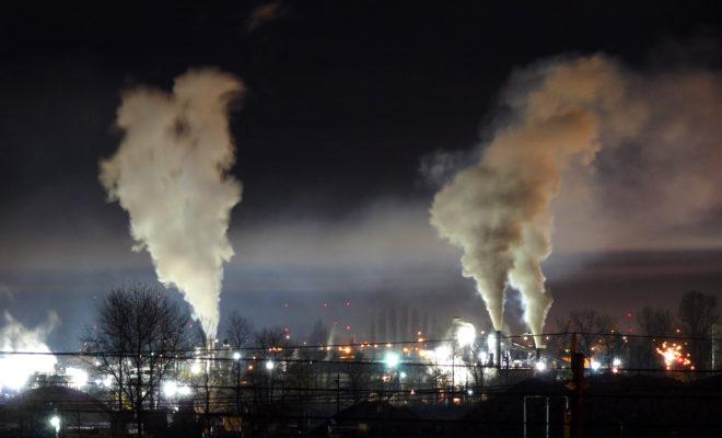 https://commons.wikimedia.org/wiki/File:Heavy_night_industrial_light_pollution.jpg
