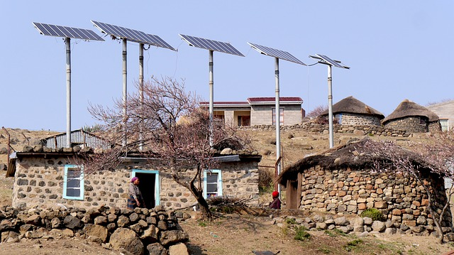 https://pixabay.com/en/lesotho-bergdorf-solar-energy-927581/