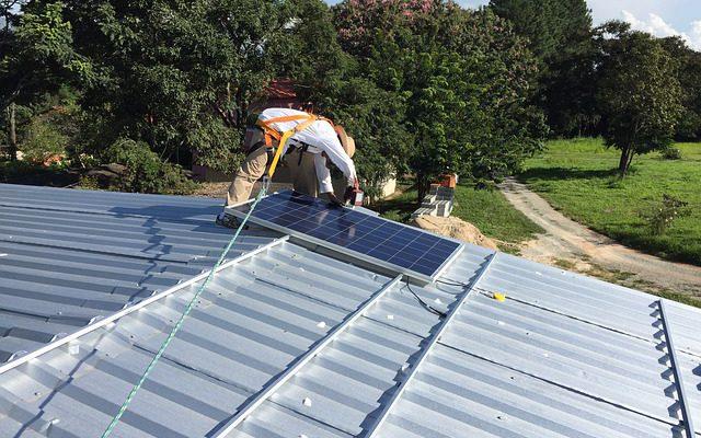 https://pixabay.com/en/solar-energy-photovoltaic-panels-868663/