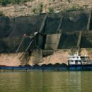 https://commons.wikimedia.org/wiki/File:Coal_hopper_with_barge_Rob_Loftis.jpeg
