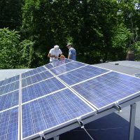 U.S. Rooftop Panel Installer Sunrun Buys Competitor Vivint, Creates 'New Solar Goliath'