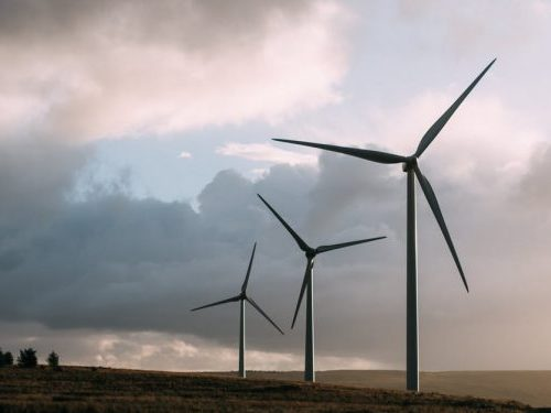 Bladeless Wind Tower Design Produces Power from Spinning Vortices