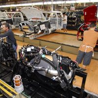 Ford, Unifor Reach Tentative Deal to Build Five Electric Vehicle Models in Oakville
