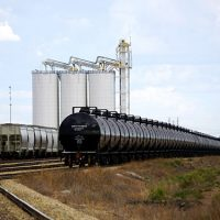 Experts Brace for Disaster as Canada, U.S. Increase Oil-by-Rail Shipments